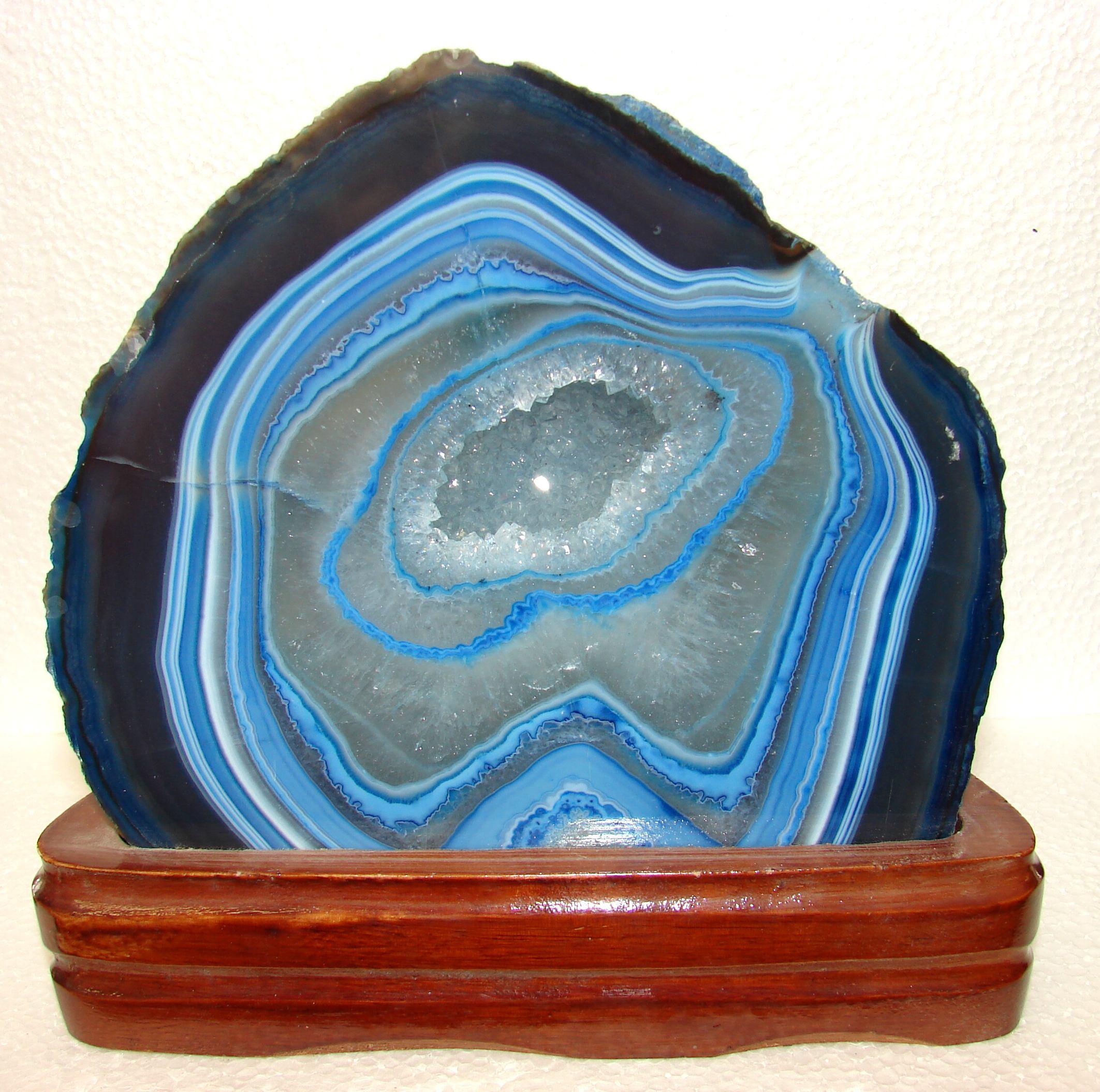 http://www.artfromgod.com/woodaggeode-11.jpg (582341 bytes)